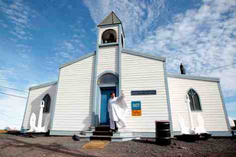 One of Vanessa's photos shows Fr Michael Smith outsdie the Chapel of the Snows at McMurdo Station in Antarctica